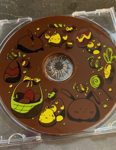 CD en chocolat noir (environ 40g)