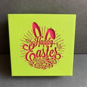 Boîte de pralinés sans alcool «Happy Easter» (16 pièces)