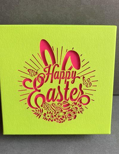 Boîte de pralinés sans alcool «Happy Easter» (4 pièces)/rose