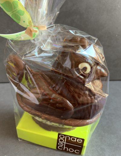 Poule dodue dans son panier chocolat noir (62g)