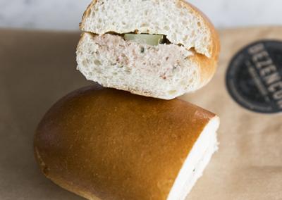 Sandwich pain mou à la mousse de jambon (uniquement avec retrait en magasin)