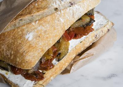 Sandwich aux légumes grillés (uniquement avec retrait en magasin)